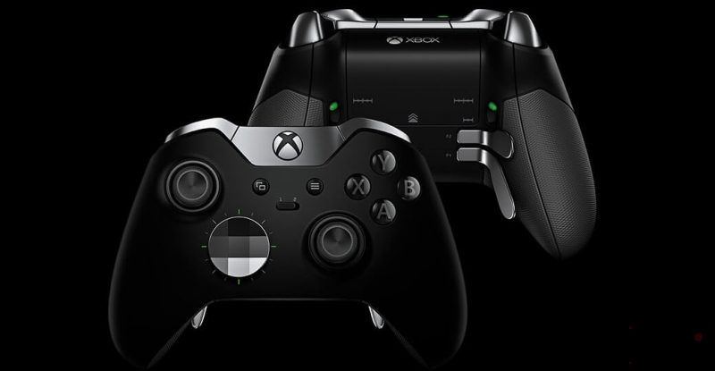 عکس xbox elite 2 controller از دو نمای پشت و جلو